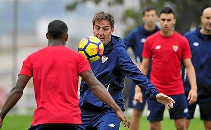 Berizzo está aprovechando el parón para mejorar el juego del Sevilla.