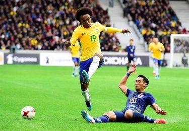 3-1: Brasil resuelve en la primera parte el duelo ante una tímida Japón