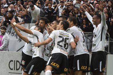El Corinthians busca una victoria que lo acerque aún más al título