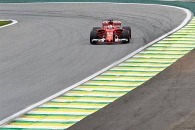 """Vettel: """"creo que me acobardé un poco en la frenada de la curva 1"""""""