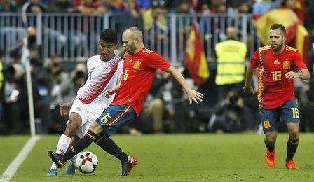 5-0. España enamora en el reino de Isco