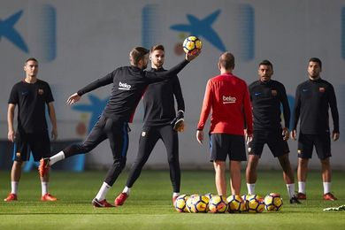 Segunda sesión de Luis Suárez con sus compañeros