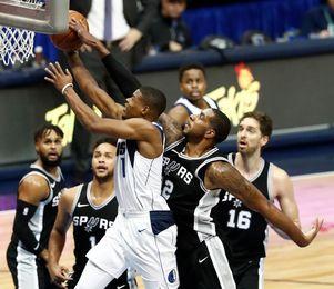 91-97. Aldridge castiga al equipo de su ciudad en triunfo de los Spurs