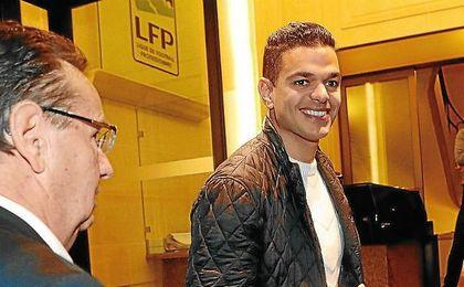 Ben Arfa a su llegada a la sede de la Liga de Fútbol francesa.