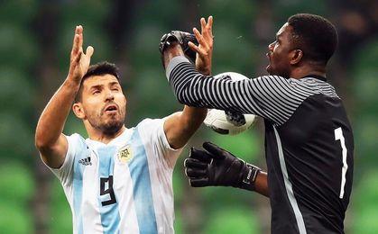 """Agüero tranquiliza a los aficionados del City y dice que los estudios """"salieron bien"""""""