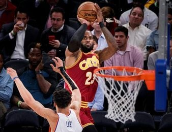 118-113. Ante los Clippers, James amplía la racha triunfal de los Cavaliers