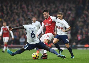 Alexis y Mustafi le dan al Arsenal el derbi del norte de Londres (2-0)