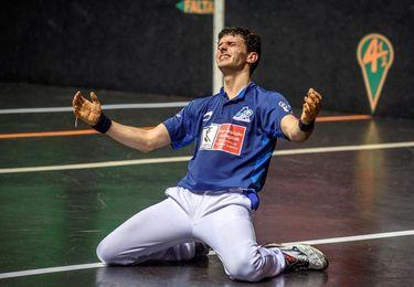 Altuna supera a Urrutikoetxea y logra su primera ´txapela´ de campeón