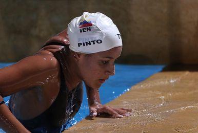 La nadadora venezolana Pinto gana el oro en los 400 libres al vencer a la chilena Köbrich