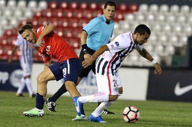 1-0. Un gol de Cardozo a los 28 segundos le da el triunfo al Libertad en la semifinal