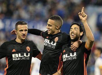 Murillo y Maksimovic, ausentes en el entrenamiento del Valencia