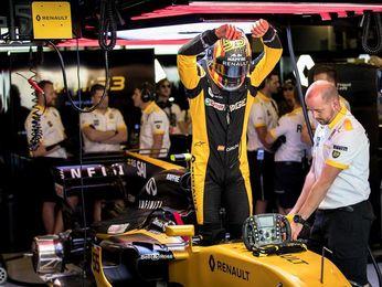 Alonso y Sainz, eliminados en la segunda ronda (Q2) de la calificación