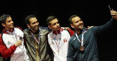 Ecuatoriano Miño y colombiana Medina ganan últimos oros en tenis de mesa