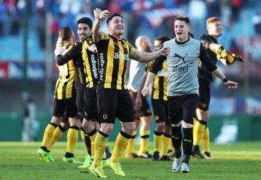 Viatri, Rodríguez ´Cebolla´ y Maxi hacen al Peñarol campeón del Clausura