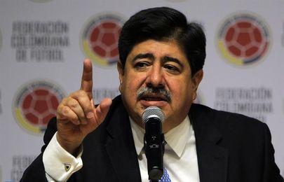 El exjefe del fútbol colombiano dice que Nike intentó sobornarlo para vestir a la selección