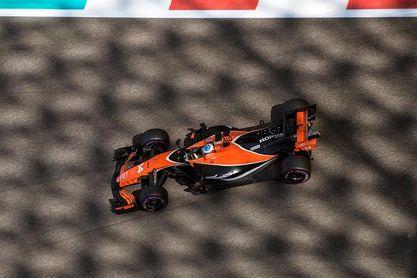 Alonso sufre un accidente, pero puede retomar los test de neumáticos