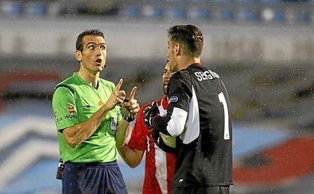 El Sevilla no gana ni la mitad de los partidos con este colegiado.