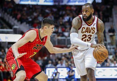 114-121. Ante los Hawks, James y Love ayudan a los Cavaliers con su décimo triunfo consecutivo