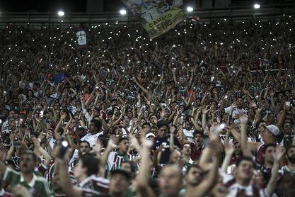 El presidente del Fluminense dice a Policía que cedió entradas a las barras bravas