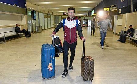 Rubén, a su vuelta de China, cuando ningún miembro del club fue a recibirlo.