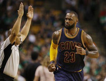101-95. James se acerca al triple-doble en el triunfo de los Cavaliers