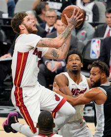 Otra jornada triunfal de Cavaliers, Celtics, Warriors y Spurs; mejoran Bucks