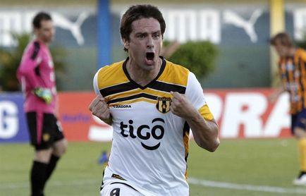 El uruguayo López deja el fútbol paraguayo como máximo goleador histórico