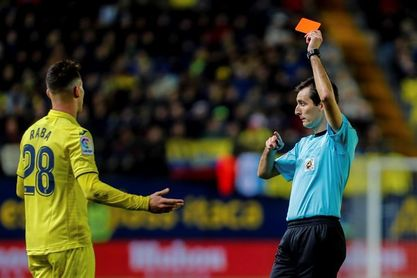 0-2. El Barcelona necesitó jugar en superioridad para doblegar al Villarreal