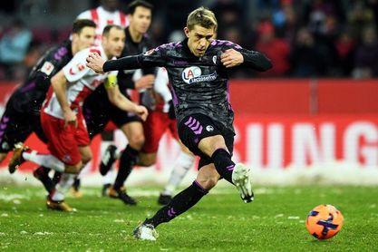 El Friburgo remonta tres goles ante el Colonia y sale del descenso