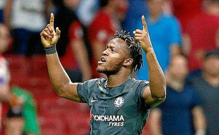 Batshuayi quiere salir del Chelsea