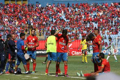 La final Municipal-Antigua, un duelo entre Almeida y Tapia