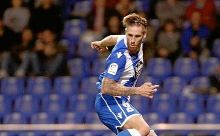 El Deportivo prepara a su defensa para el Camp Nou y Albentosa se lesiona
