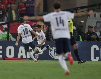 Barco, el argentino de 18 años que levantó la Sudamericana en el Maracaná