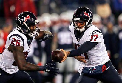 13-25. Brock Osweiler sale como reserva y salva a los Broncos