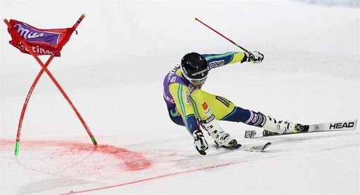 Matts Olsson gana el eslalon paralelo de Alta Badia