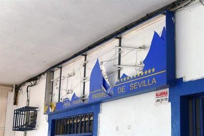 ´La Primera´, y única, peña madridista en Sevilla atacada en el Mundialito