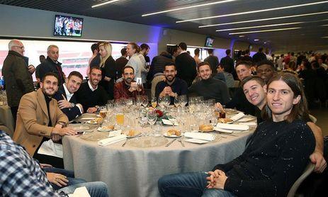 El Atlético celebra su primera comida navideña en el Wanda Metropolitano