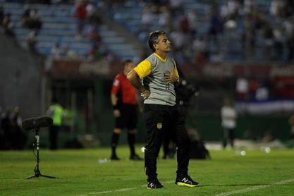 El uruguayo Bengoechea, elegido mejor entrenador de la liga peruana de 2017