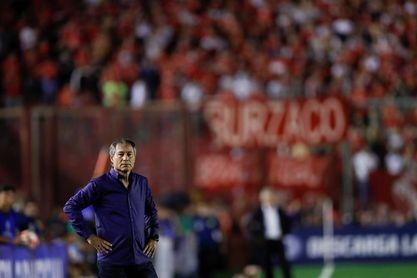 Holan se despide como entrenador de Independiente para velar por su familia