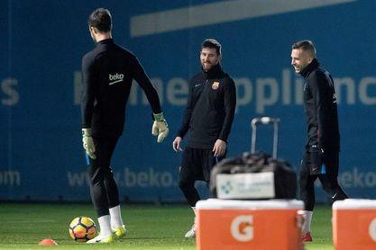 Jordi Alba vuelve a entrenarse a dos días del Clásico