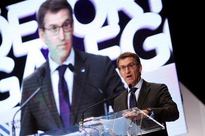 Núñez Feijóo anuncia que La Vuelta tendrá dos etapas en Galicia en 2018
