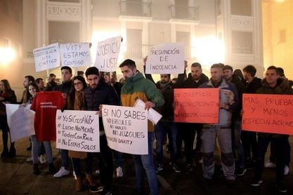 Decenas personas apoyan en Ponferrada a exjugadores Arandina acusados abusos