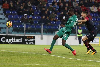 El Fiorentina gana 1-0 en Cagliari y se coloca a un punto de la zona europea