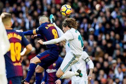 """Iniesta: """"La Liga no está hecha"""""""