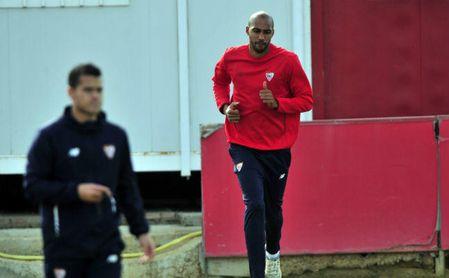 Nzonzi, en un entrenamiento con el Sevilla.