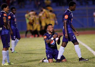 2-0. Real España vence a Motagua en la ida de la final del torneo Apertura de fútbol en Honduras