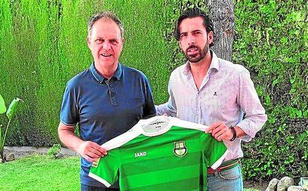 Joaquín Caparrós firmó por una campaña más otra opcional con el Al Ahli el pasado mayo.