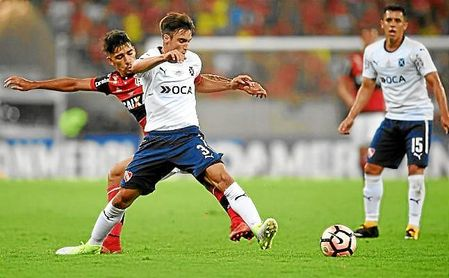 El Ajax gana al Betis la subasta por Tagliafico