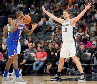 119-107. Aldridge y Gasol, con un doble-doble, mantienen ganadores a los Spurs