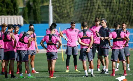 El Levante trabajó en doble sesión en su segundo día en Oliva